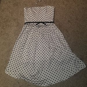 NWOT White House/Black Market sz 6 strapless dress